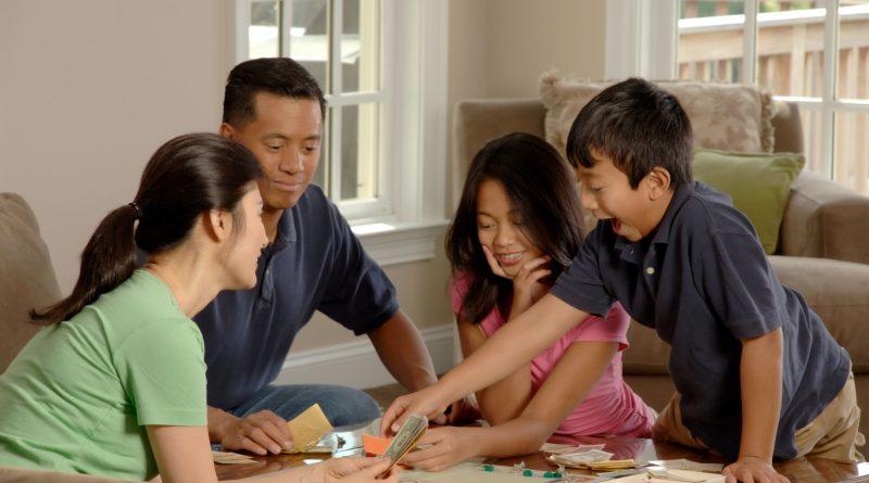 Juegos de mesa clásicos en familia
