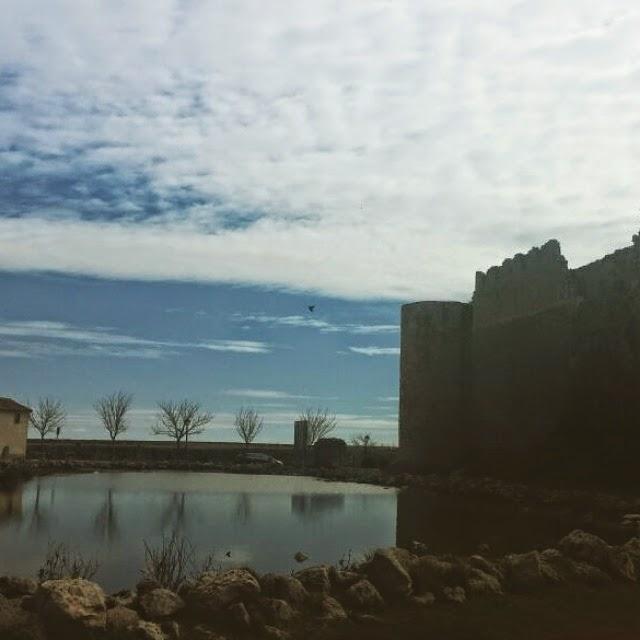 Lago junto al castillo