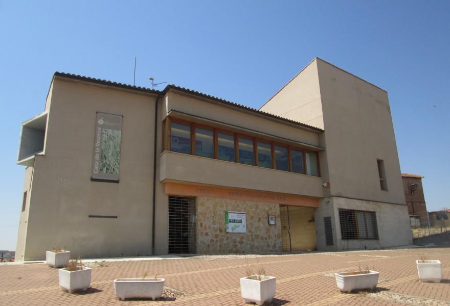Edificio de la casa del parque en Castronuño