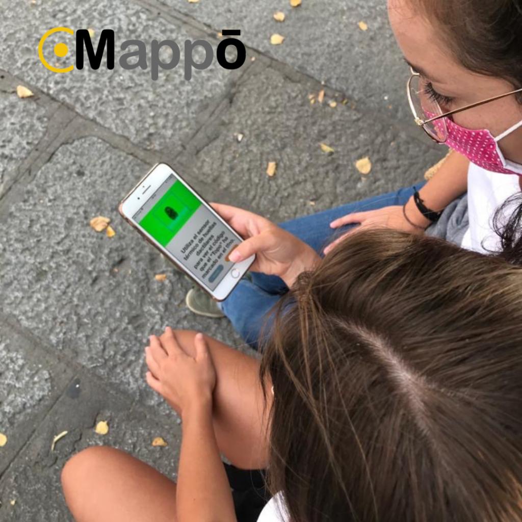 imagen de dos chicas jugando al street scape de mappo